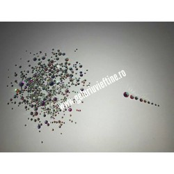 Cristale Argintii cu reflexii multicolore Marimi diferite set 1440 buc
