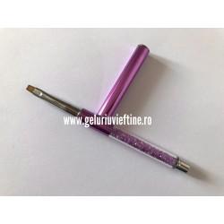 Pensula Diamant cu capac dreapta pentru gel Nr. 4